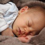 Jak by mělo mé dítě spát