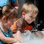 Jedno, nebo více dětí? Jaké jsou výhody jedináčků a vícečlenných rodin?
